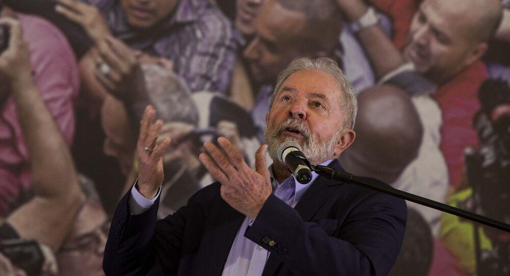 O ex-presidente Lula durante coletiva no Sindicato dos Metalúrgicos do ABC, dois dias depois de o ministro Edson Facchin anular suas condenações no âmbito da Lava Jato, consequentemente, devolver seus direitos políticos..