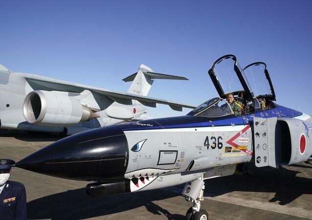 Caça F-4EJ Kai japonês