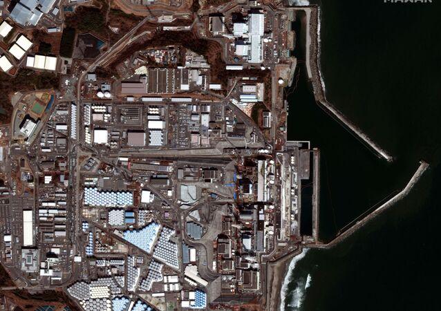 Panorama da usina nuclear Fukushima Daiichi no Japão, 28 de fevereiro de 2021