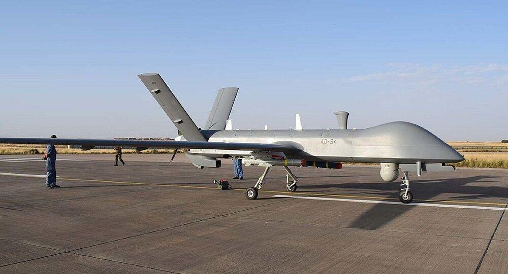 Um drone CH-4B Rainbow da Força Aérea da Argélia fabricado pela Corporação de Ciência e Tecnologia Aeroespacial da China (CASC, na sigla em inglês)