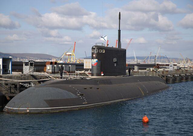 Submarino Veliky Novgorod na base naval de Novorossiysk, sudoeste da Rússia