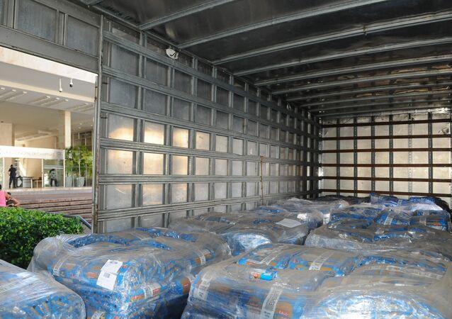 O prefeito de Campinas (SP), Dário Saadi, recebeu nesta quinta-feira (1º) no arruamento do Paço municipal, doação de 25 toneladas de macarrão para a Campanha Campinas Sem Fome.