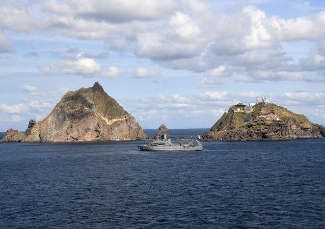 Guarda Costeira sul-coreana nas ilhas disputadas de Dokdo