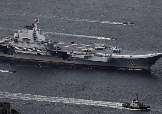 Porta-aviões chinês Liaoning do Exército de Libertação Popular (ELP) da China