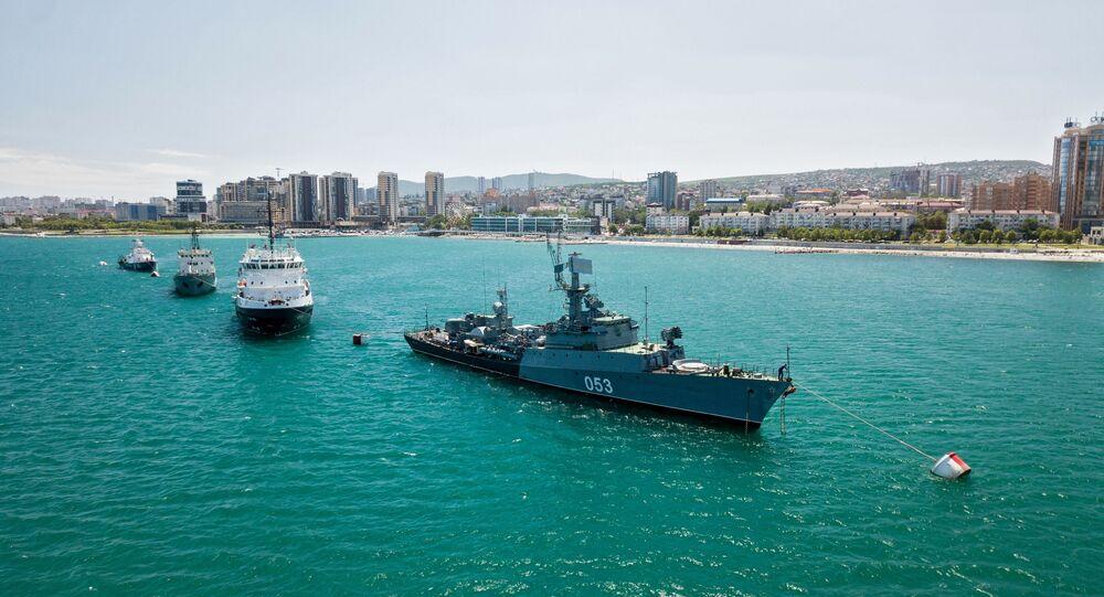 Embarcações militares russas atracadas no mar Negro, na cidade de Novorossisk, Rússia, 24 de setembro de 2020 (foto de arquivo)