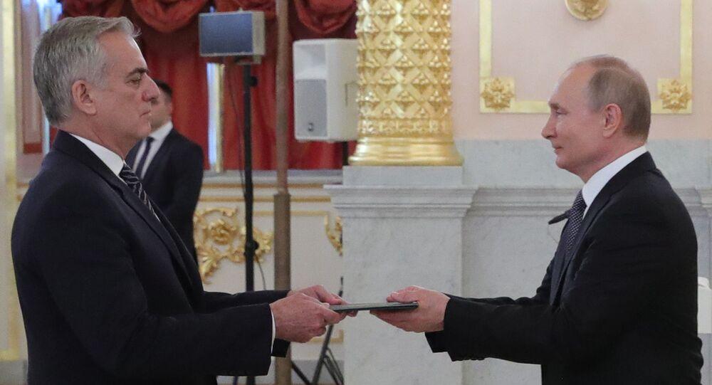 Tovar da Silva Nunes, embaixador do Brasil em Moscou, com o presidente russo Vladimir Putin