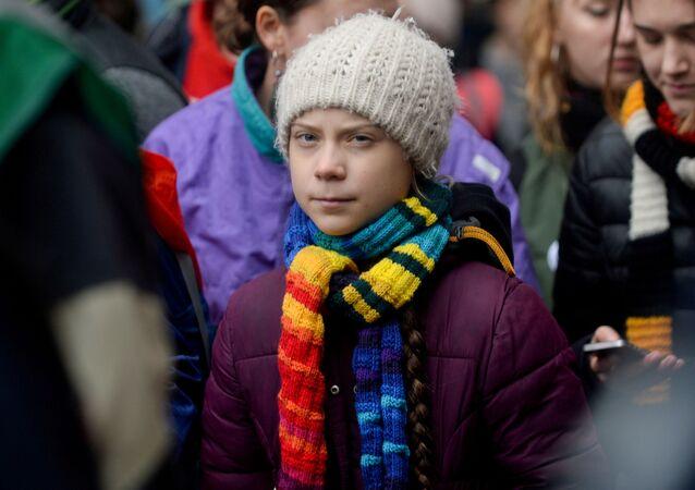 A ativista sueca pelo clima Greta Thunberg participa da manifestação '' Europe Climate Strike '' em Bruxelas, Bélgica, 6 de março de 2020.