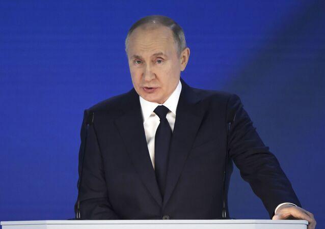 O presidente russo, Vladimir Putin, durante seu discurso anual à Assembleia Federal, em Moscou, Rússia, no dia 21 de abril de 2021