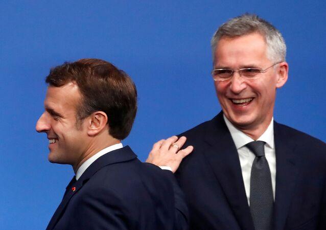 O presidente francês Emmanuel Macron e o secretário-geral da OTAN, Jens Stoltenberg, em uma reunião de cúpula da OTAN em Watford, Grã-Bretanha, em 4 de dezembro de 2019