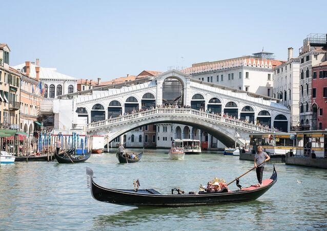 Ponte de Rialto de Veneza, Itália