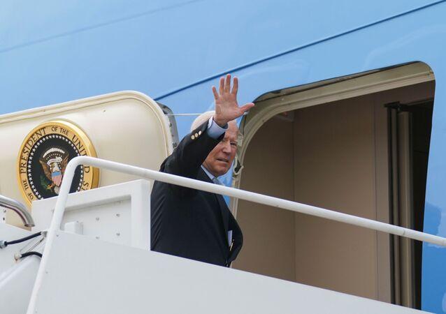 Joe Biden, presidente dos EUA, embarca no Air Force One para participar da cúpula do G7 no Reino Unido, na Base Conjunta Andrews, Maryland, EUA, 9 de junho de 2021