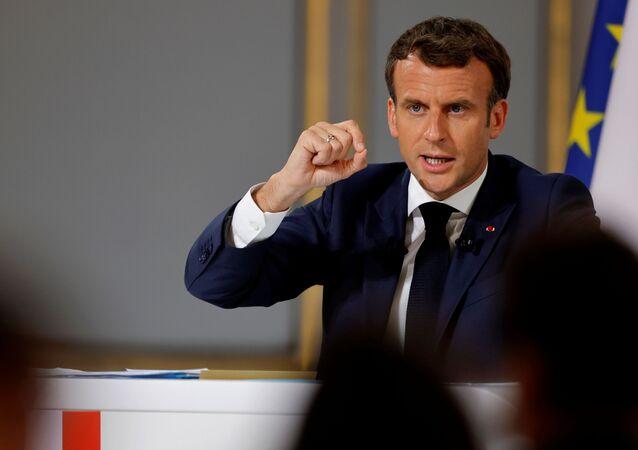 Emmanuel Macron, presidente da França, gesticula durante coletiva de imprensa no Palácio do Eliseu em Paris, França, 10 de junho de 2021