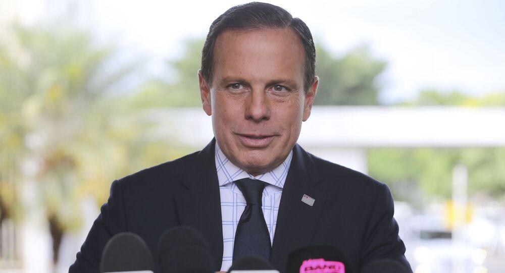 O governador de São Paulo, João Doria, fala à imprensa, após encontro com o presidente em exercício, general Hamilton Mourão, em 22 de outubro de 2019