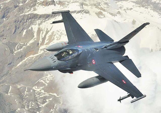 Caça F-16C Viper da Força Aérea da Turquia