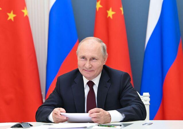 Presidente russo Vladimir Putin durante o encontro com presidente chinês Xi Jinping, 28 de junho de 2021
