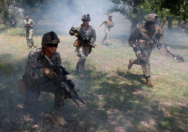 Marinha dos EUA participa de exercícios militares integrados às manobras multinacionais Sea Breeze 2021, perto de Kherson, Ucrânia, 2 de julho de 2021