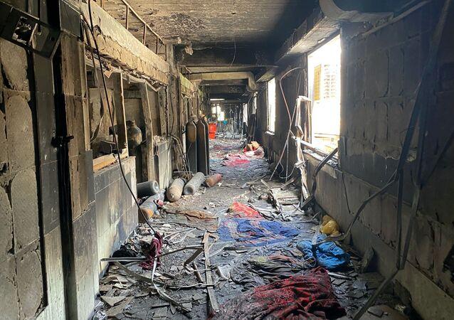 Unidade de terapia intensiva de hospital após um incêndio que matou mais de 80 pessoas em abril de 2021, em Bagdá, Iraque