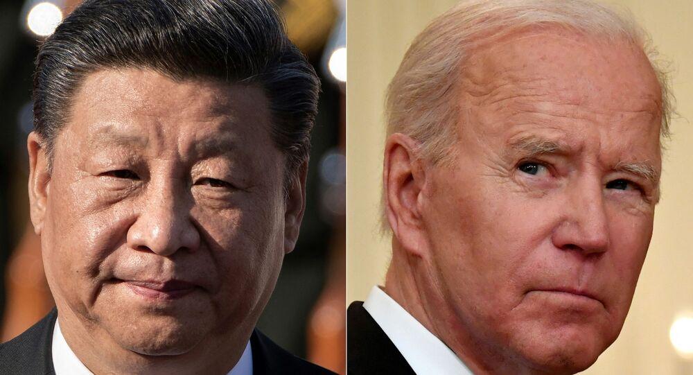 Combinação de fotos de arquivo com o presidente chinês Xi Jinping (E) e o presidente dos EUA, Joe Biden