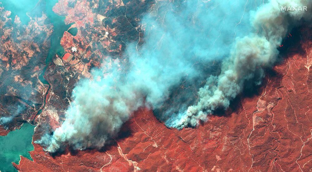 Imagens de satélite mostram imensidão dos incêndios na Turquia, 29 de julho de 2021