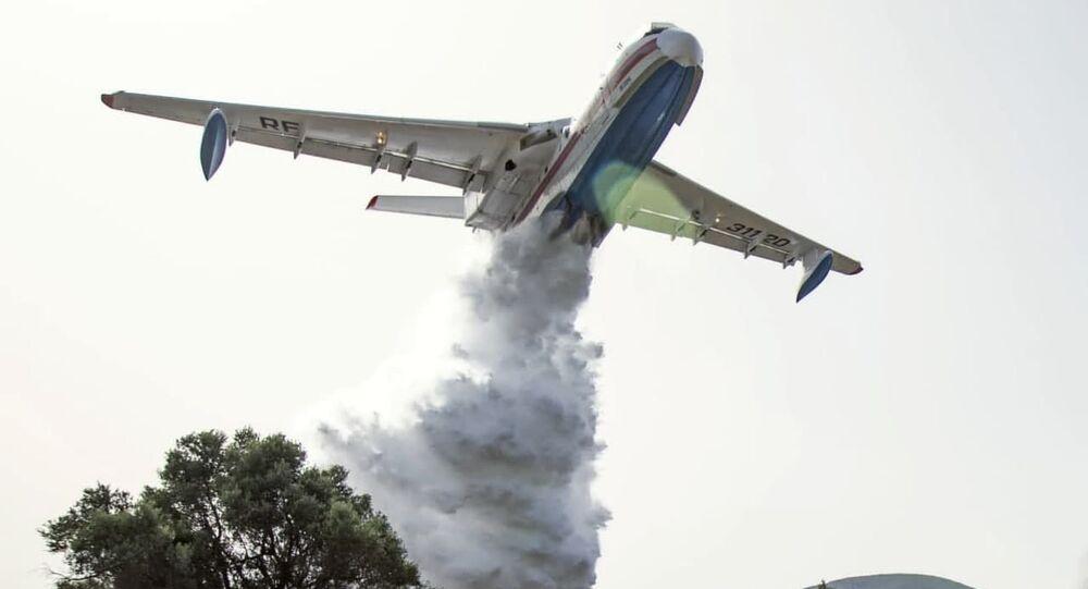 Avião de combate a incêndios russo Be-200 apoiando Turquia na luta contra os fogos