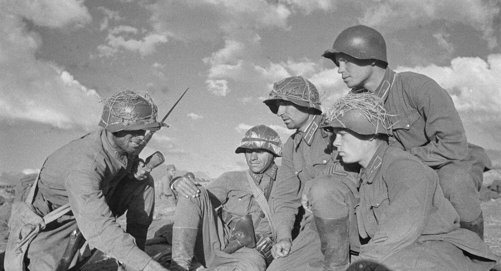 Soldados soviéticos antes de um combate no âmbito do conflito fronteiriço entre as tropas da URSS e Mongólia, de um lado, e do Japão, do outro lado, 1939