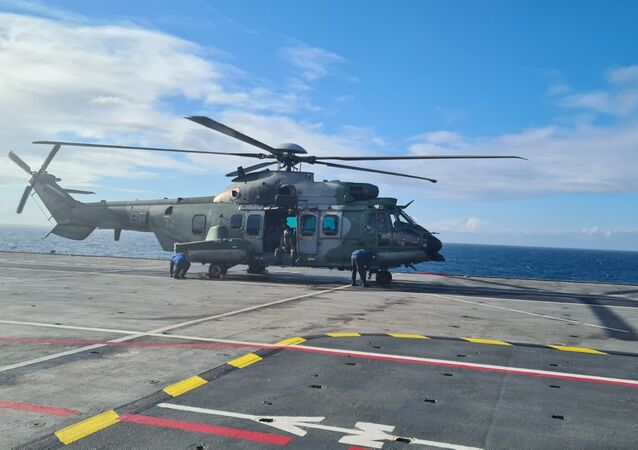 De 31/8 a 3/9, acontece a Operação Poseidon 2021, no Rio de Janeiro/RJ, que visa capacitar pilotos e tripulações do helicóptero modelo H225M a partir do Navio Aeródromo Multipropósito Atlântico