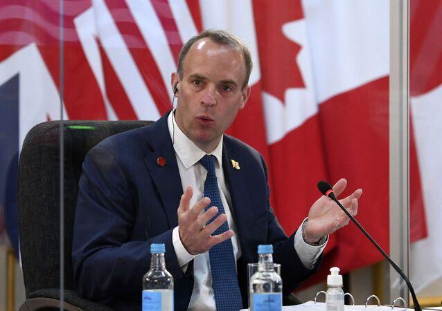 Dominic Raab, ministro das Relações Exteriores do Reino Unido, durante reunião com membros do G7