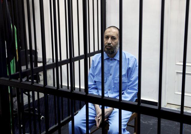 Muammar Kadhafi, durante uma audiência em um tribunal, Trípoli, Líbia, 7 de fevereiro de 2016