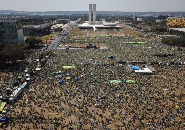 Vista aérea da manifestação em apoio ao presidente Jair Bolsonaro (sem partido) em Brasília, em 7 de setembro de 2021