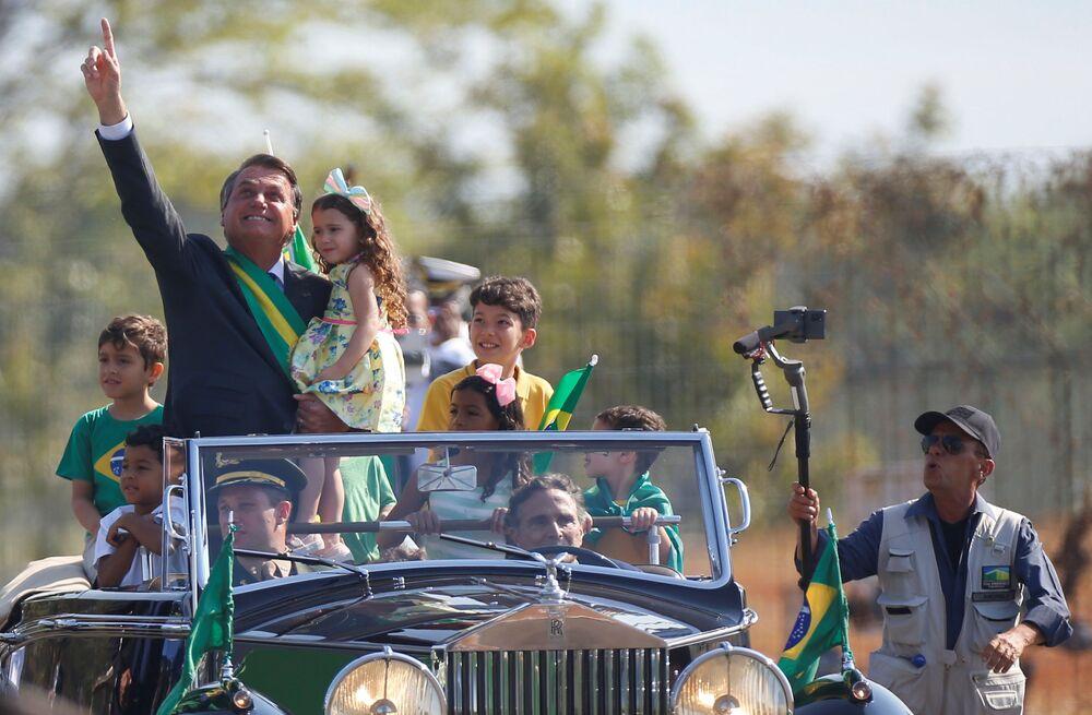 Presidente Jair Bolsonaro chega em cerimônia do Dia da Independência do Brasil, em Brasília, em 7 de setembro de 2021