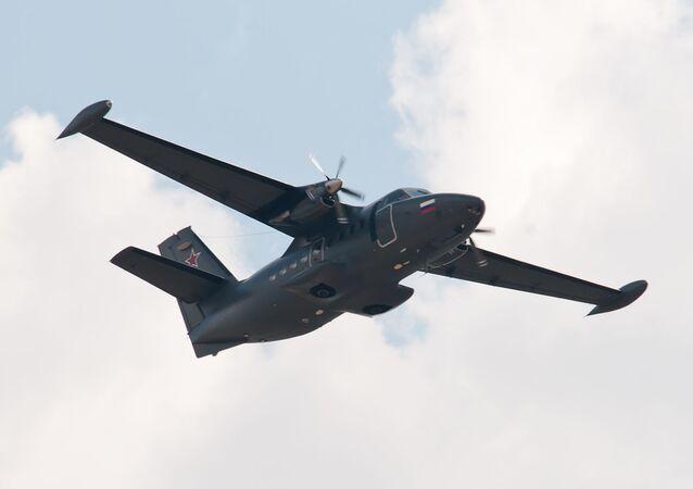 Avião de passageiros L-410 (imagem referencial)