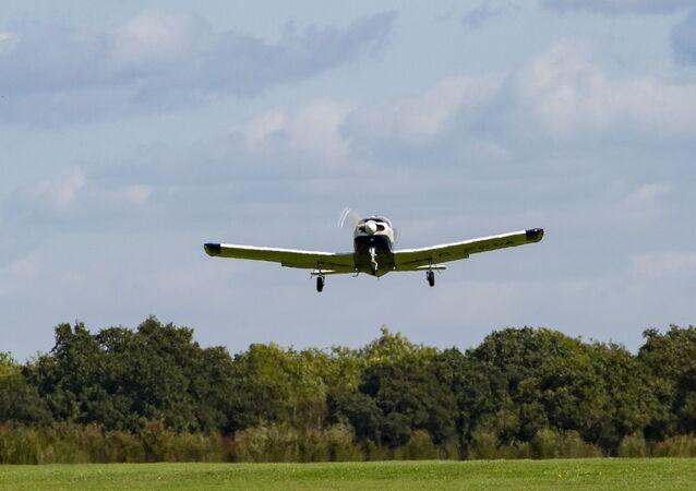 Avião de pequeno porte (imagem referencial)