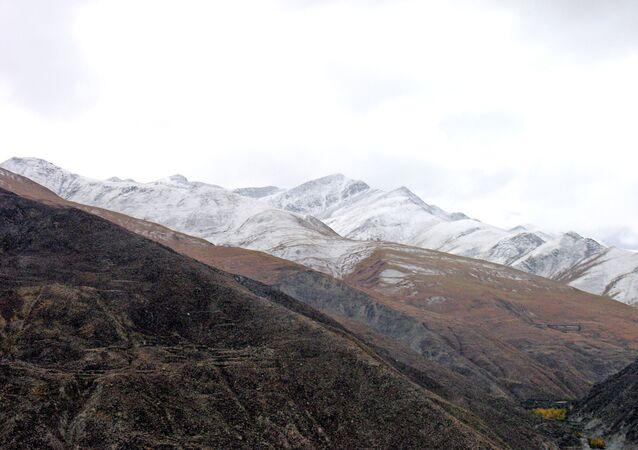 Montanhas do Tibete (imagem referencial)
