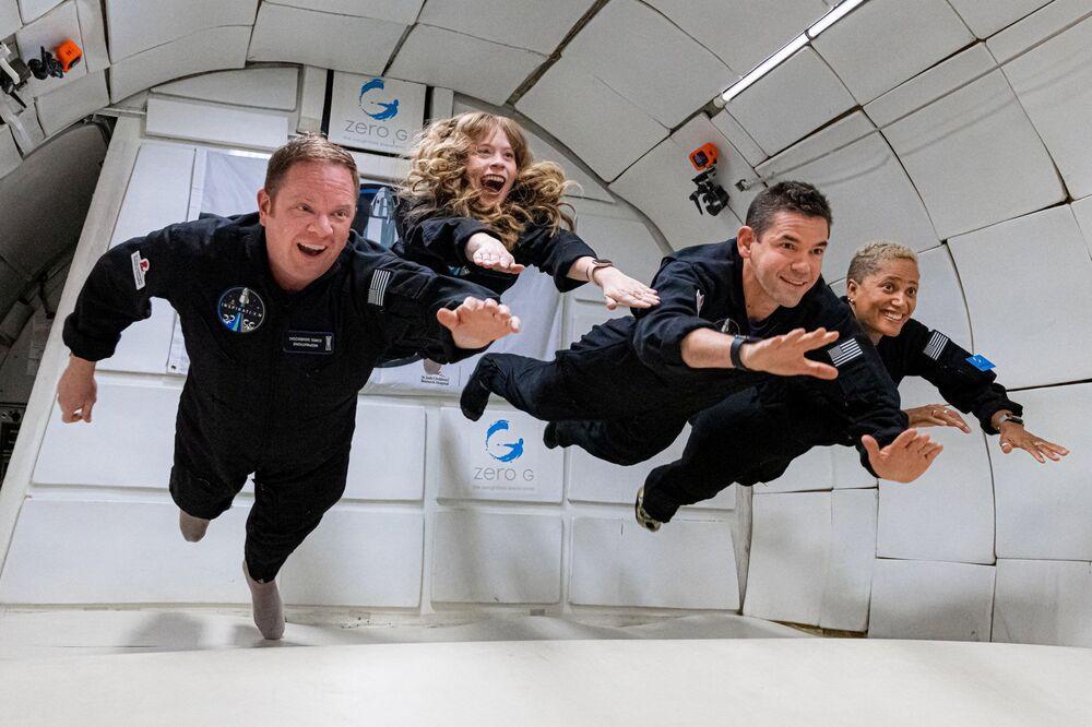 Tripulação Inspiration4 em condições de gravidade zero, 15 de setembro de 2021