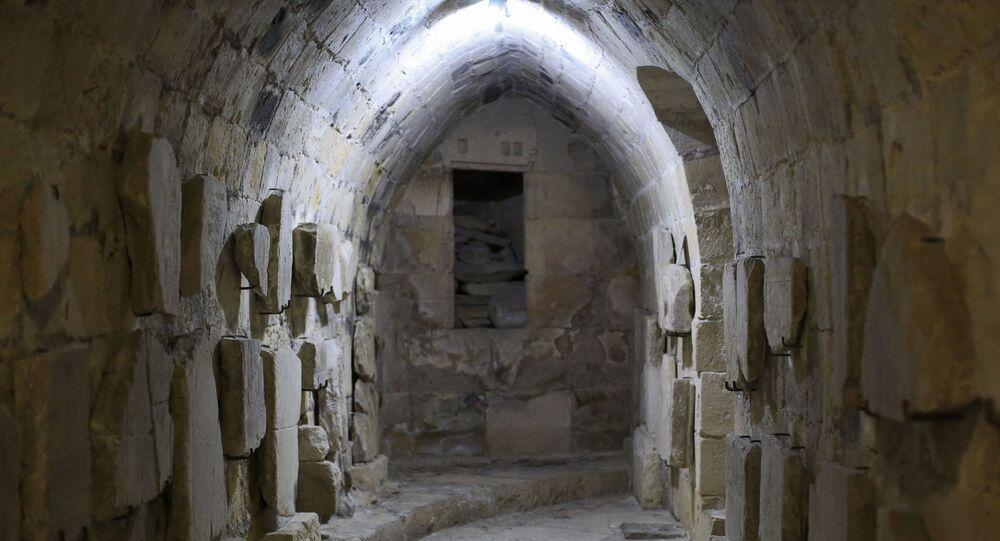 Lápides de cruzados na capela dos cavaleiros templários em Chipre. Foto de arquivo.