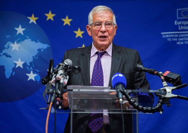Josep Borrell discursando na coletiva de imprensa após reunião com os chanceleres da União Europeia à margem da Assembleia Geral da ONU em Nova York, EUA, 20 de setembro de 2021