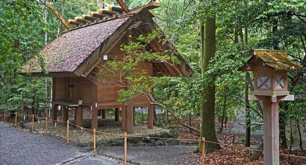 Casa com estilo arquitetônico do período Kofun no Japão (imagem referencial)