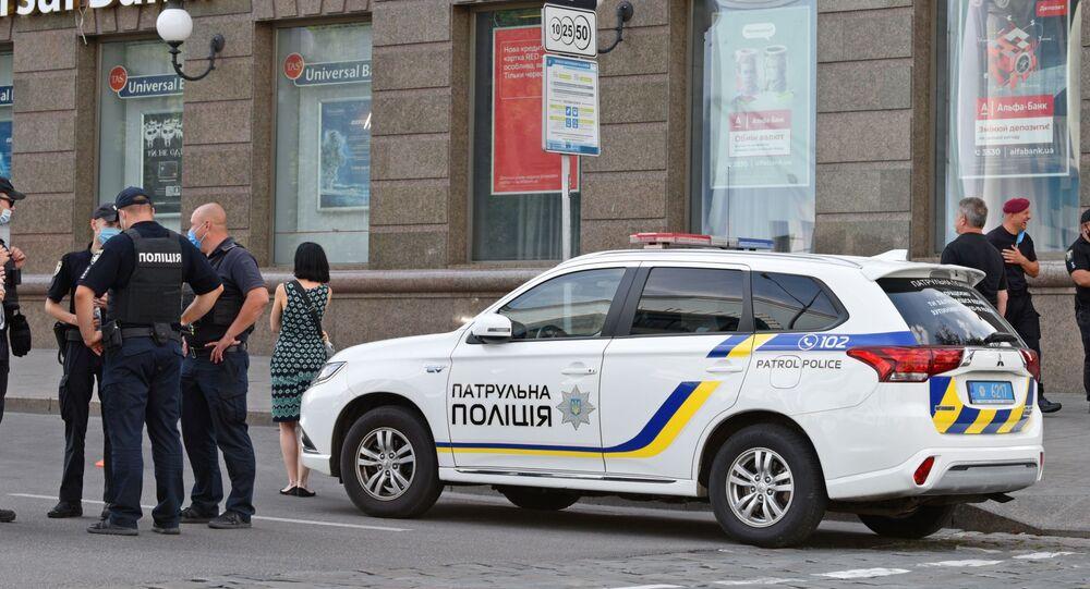 Viatura da Polícia Nacional da Ucrânia em Kiev