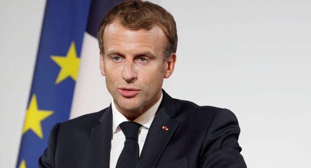 Emmanuel Macron, presidente da França, dá discurso durante cerimônia de premiação coletiva no Palácio de Élysée, Paris, França, 20 de setembro de 2021