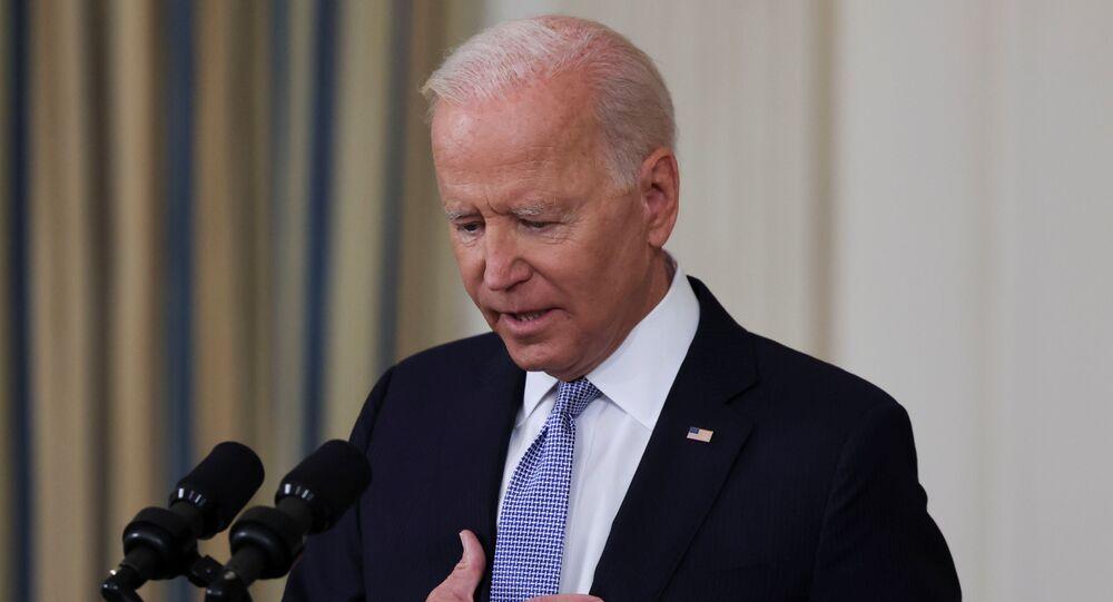 O presidente dos EUA, Joe Biden, responde a uma pergunta de um repórter na Casa Branca em Washington, EUA, em 24 de setembro de 2021