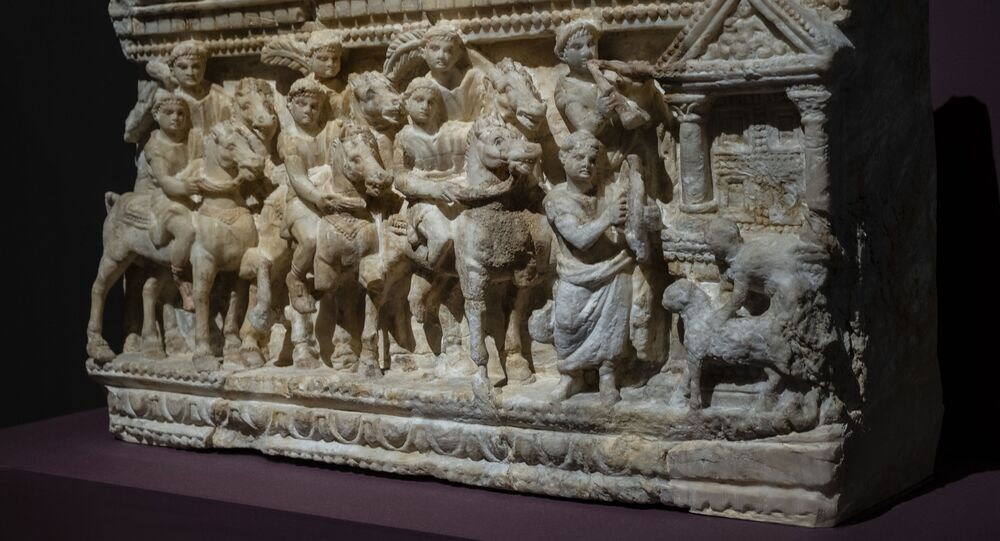 Urna romano-etrusca (imagem referencial)