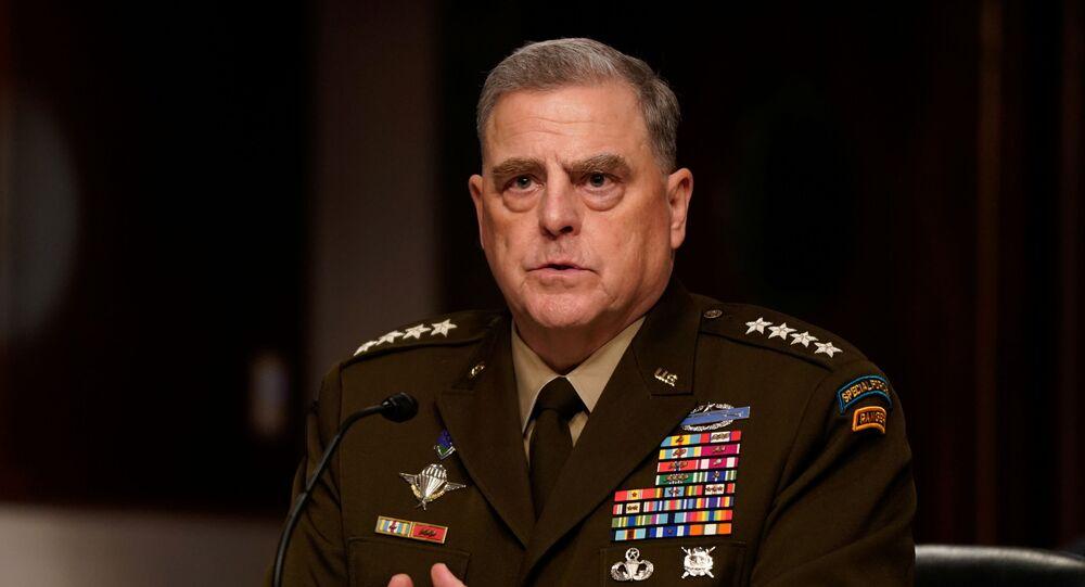 Chefe do Estado-Maior Conjunto dos EUA, general Mark Milley, testemunha durante audiência do Comitê de Serviços Armados do Senado dos EUA no Capitólio em Washington, em 28 de setembro de 2021