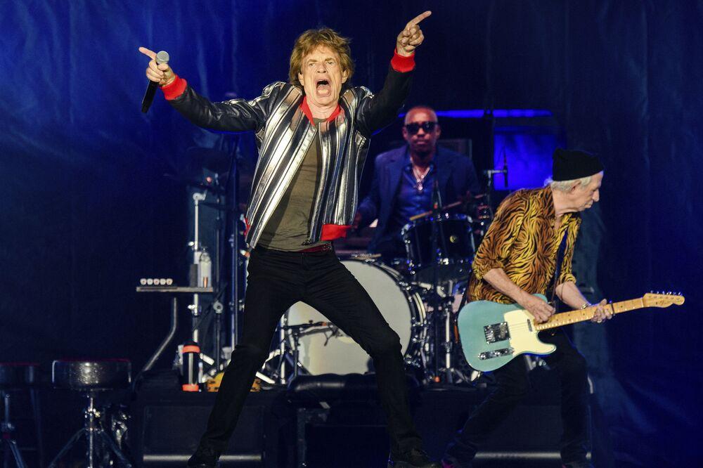 Mick Jagger, Steve Jordan e Keith Richards, dos The Rolling Stones, atuando na turnê No Filter em St. Louis, EUA, 26 de setembro de 2021