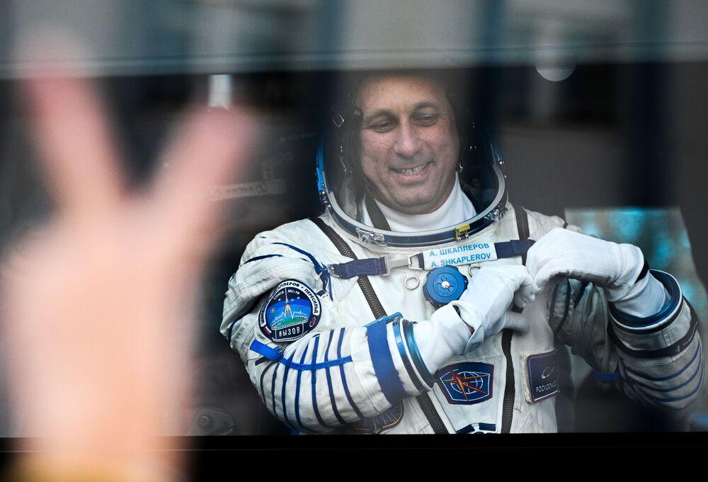 Cosmonauta Anton Shkaplerov antes do lançamento da espaçonave Soyuz MS-19, cosmódromo Baikonur, 5 de outubro de 2021