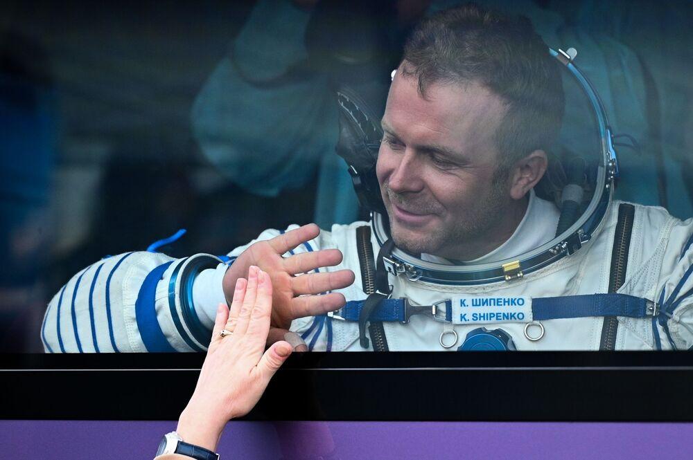 Membro da tripulação principal da 66ª missão à EEI, cosmódromo Baikonur, 5 de outubro de 2021