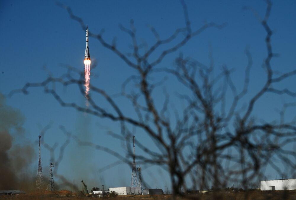 Lançamento do foguete com a espaçonave Soyuz MS-19 a partir do plataforma de lançamento Vostok №31 do cosmódromo de Baikonur, 5 de outubro de 2021