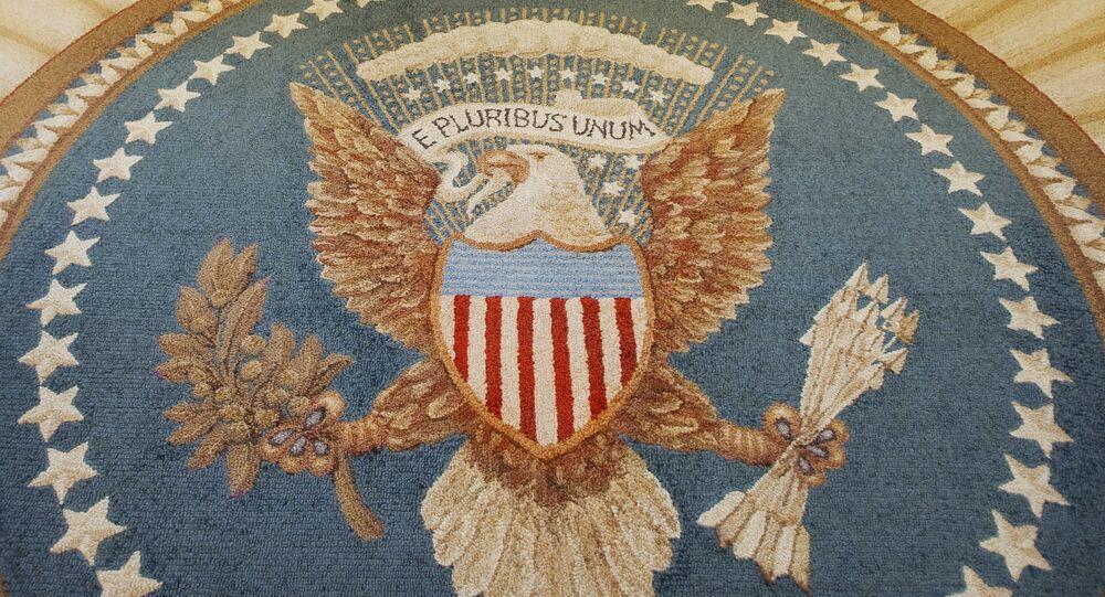 Grande Selo dos EUA em tapete no Salão Oval da Casa Branca, em Washington, EUA. Foto de arquivo