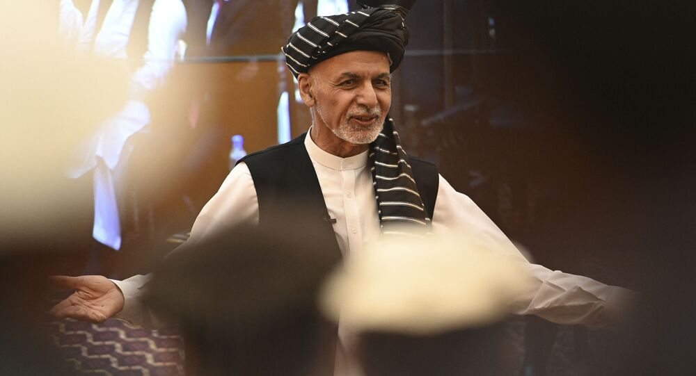 Ashraf Ghani, presidente do Afeganistão, fala no palácio presidencial em Cabul, Afeganistão, 4 de agosto de 2021