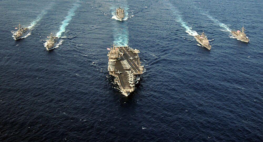 Grupo de ataque de porta-aviões liderado pelo USS Enterprise (CVN 65) no oceano Atlântico