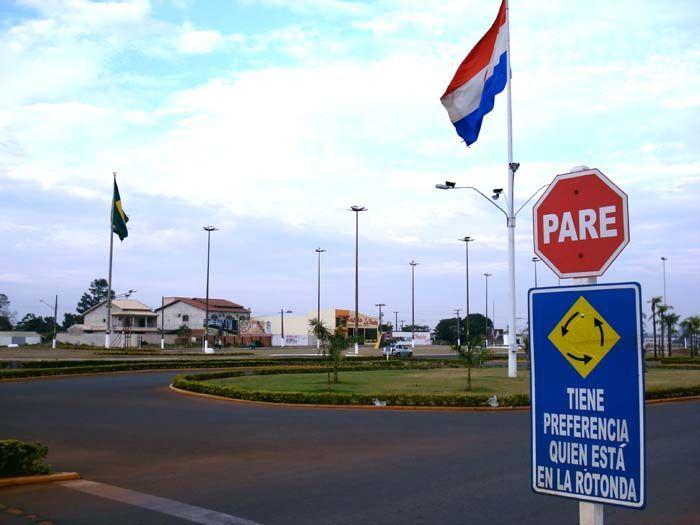 Vista da fronteira com Ponta Porã, no Brasil, Pedro Juan Caballero, Paraguai